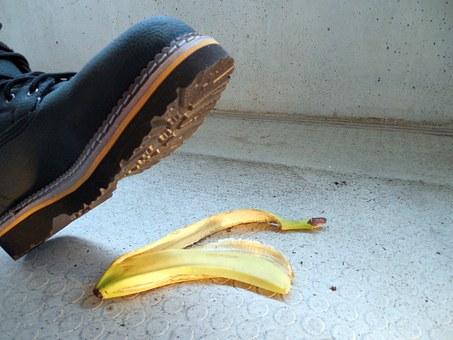 buccia banana - TRIBUNALE INTERNO E SINTOMATOLOGIA PSICOFISICA - Tutti gli infortuni arrivano per caso?